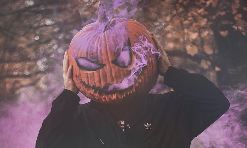Halloween vignette